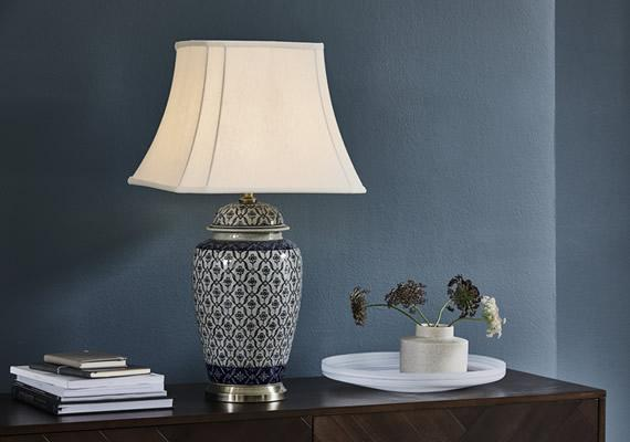 Blue room porcelain lamp