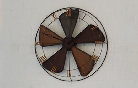 daylight savings_fan wall clock