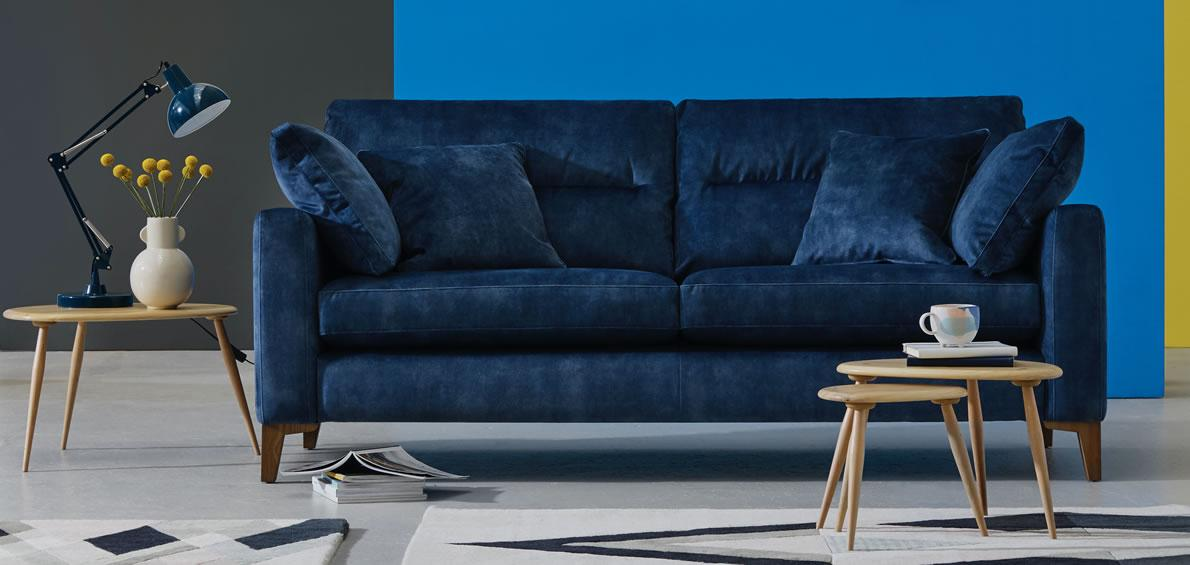 Uniqa Sofa