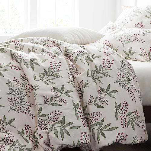 Snowberry Flannel Bedding