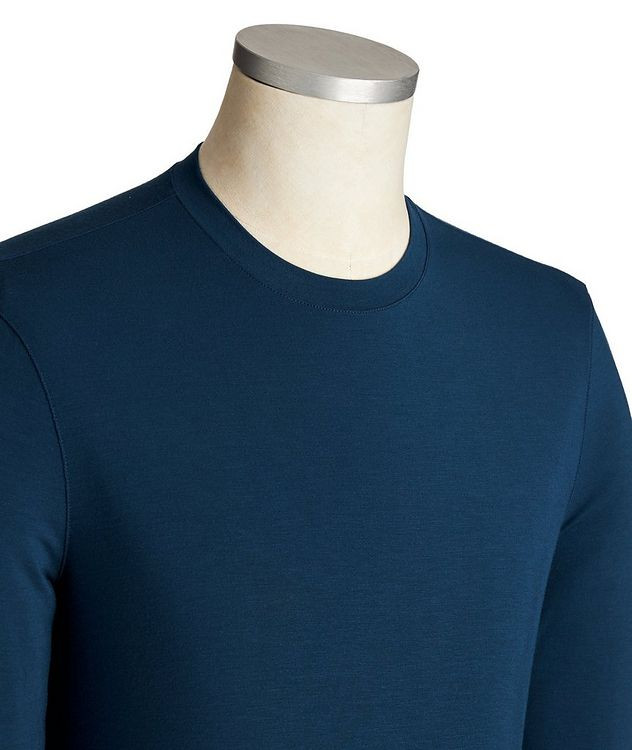 Long-Sleeve Stretch T-Shirt picture 2
