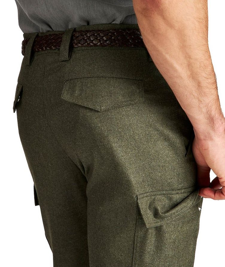 Pantalon à poches cargo de coupe contemporaine image 2