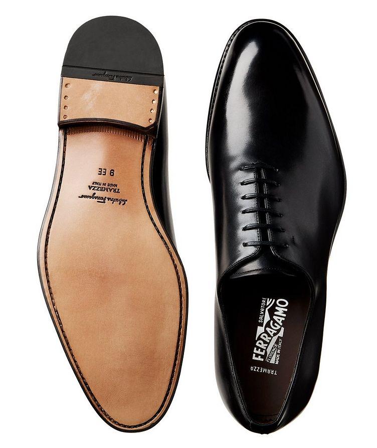 Chaussure lacée en cuir de veau, tige en une seule pièce image 2