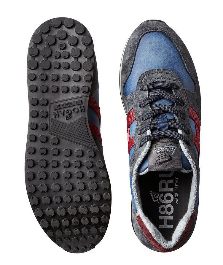 Chaussure sport en suède et filet image 2