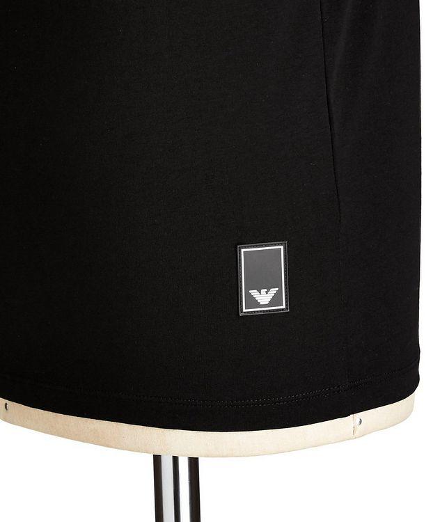 Travel Essentials Packable Stretch-Cotton V-Neck T-Shirt picture 2