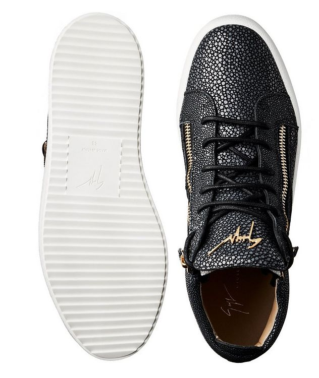 Stingray Textured Sneakers picture 3