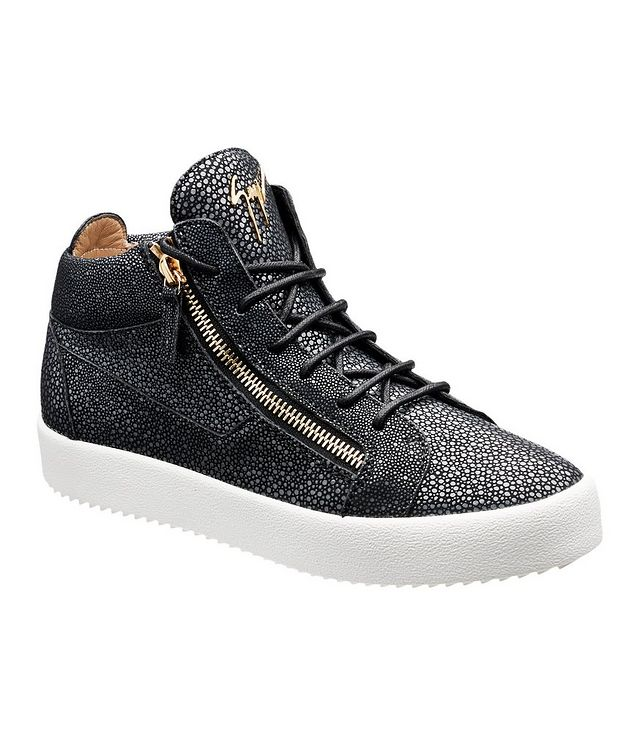 Stingray Textured Sneakers picture 1