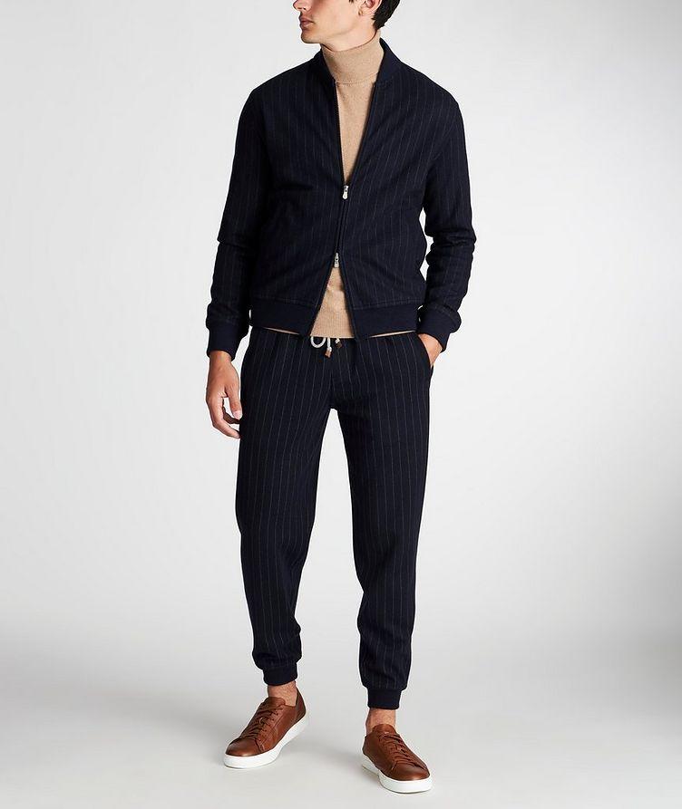 Pantalon sport en cachemire à fines rayures image 4