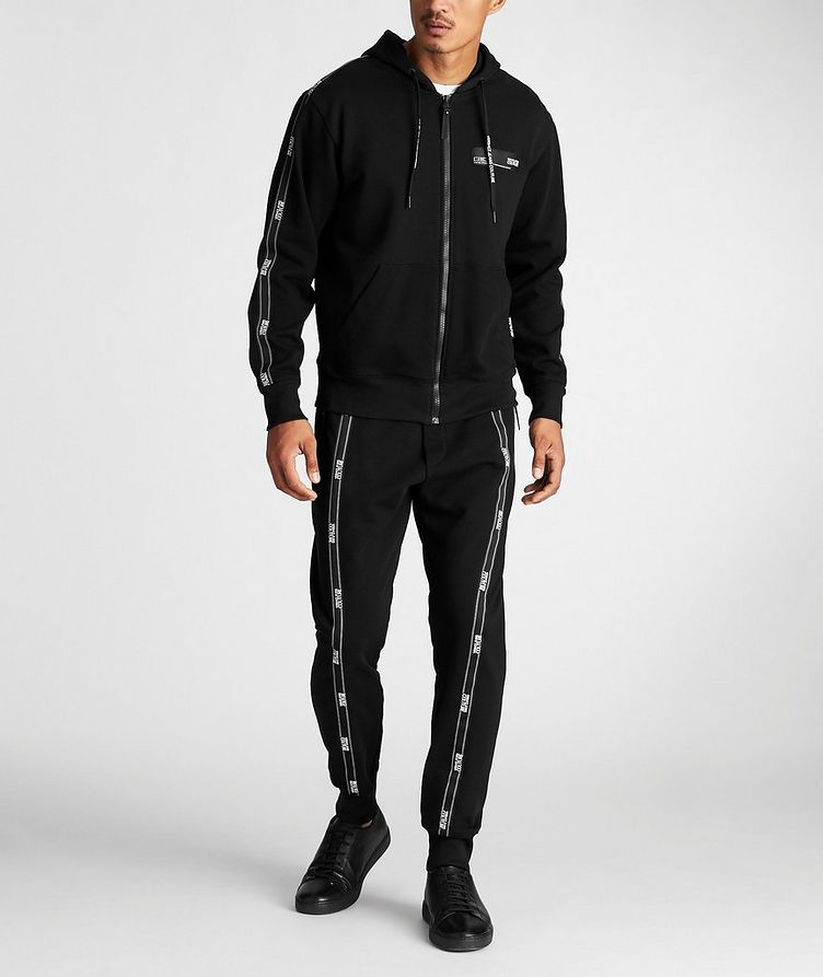 Pantalon sport avec logos et à cordon image 4