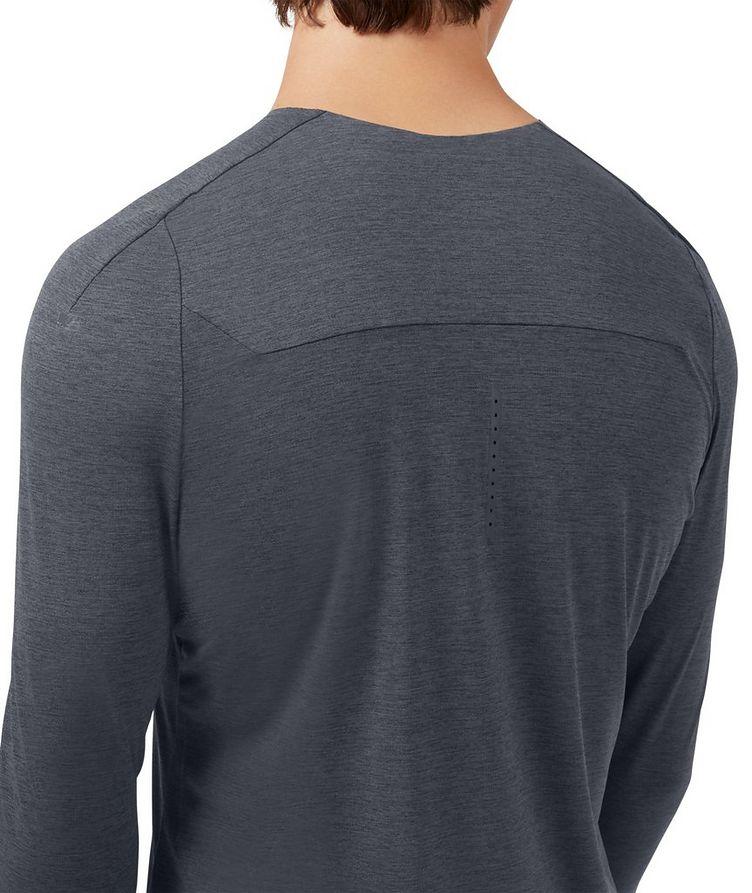 Performance Long T-Shirt image 3