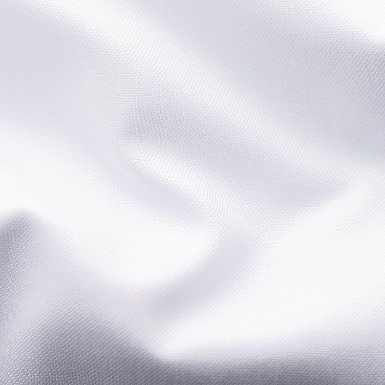 Chemise habillée en twill aux poignets français de coupe contemporaine image 5