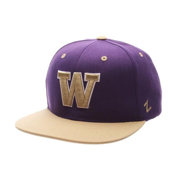 01a22bae702 Zephyr Washington Huskies Z11 Snapback Hat - Main Container Image 1