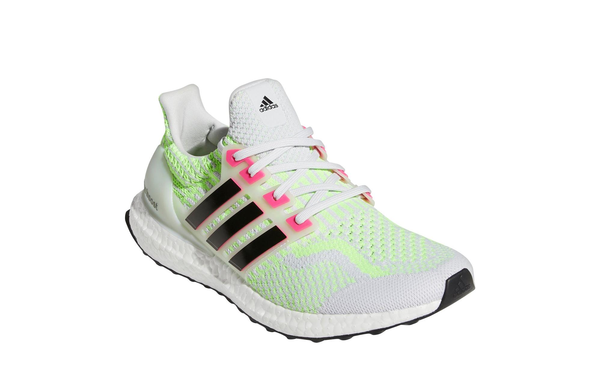"Sneakers Release- adidas Ultraboost 5 DNA ""Dash Grey/Black/Signal ..."