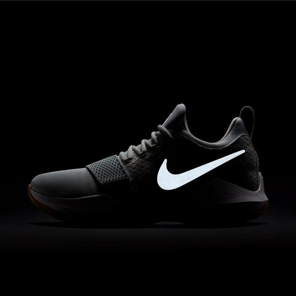 newest d85e3 28e3a Nike PG 1 Men s Basketball Shoes - Main Container Image 7