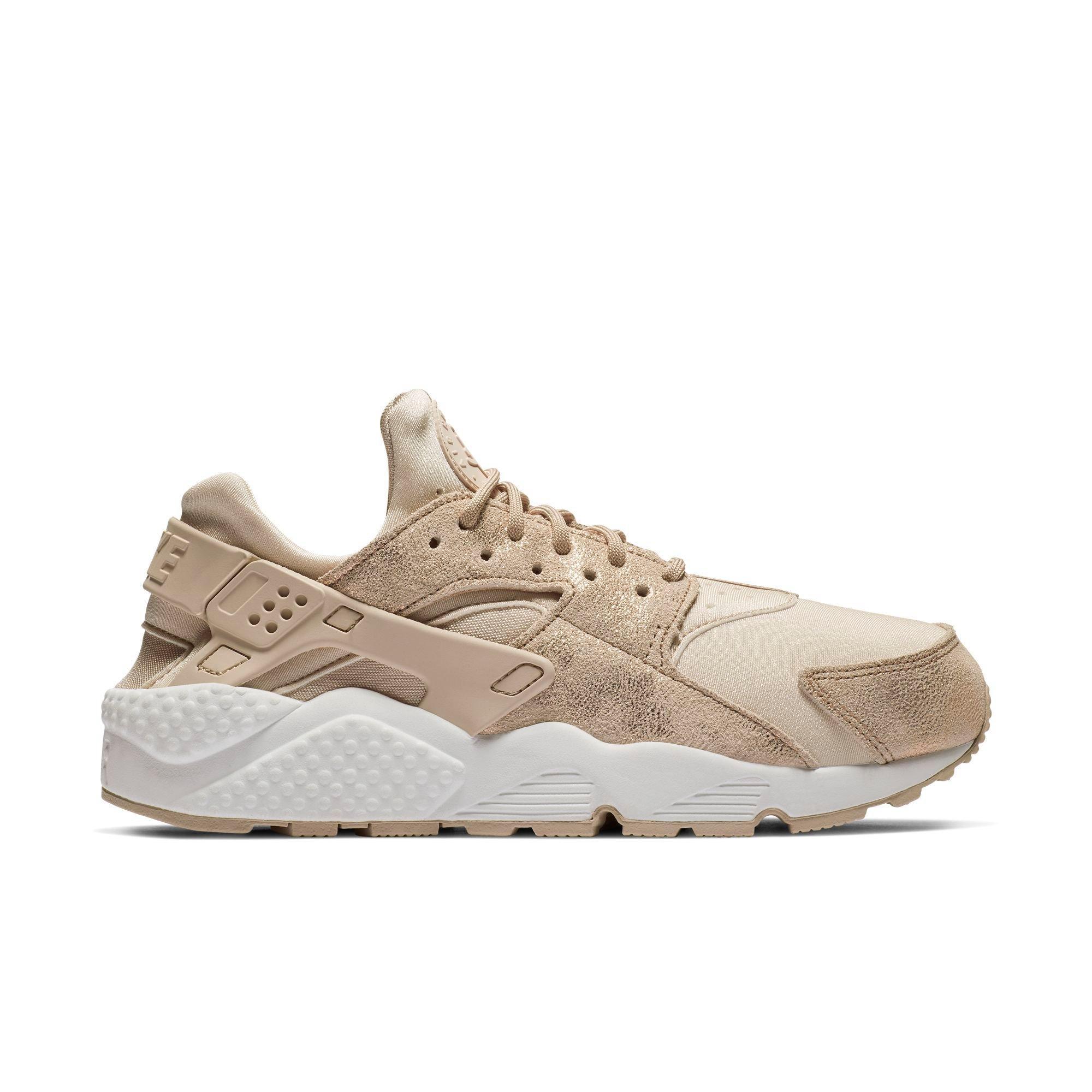 Nike Air Huarache Run SE W shoes beige