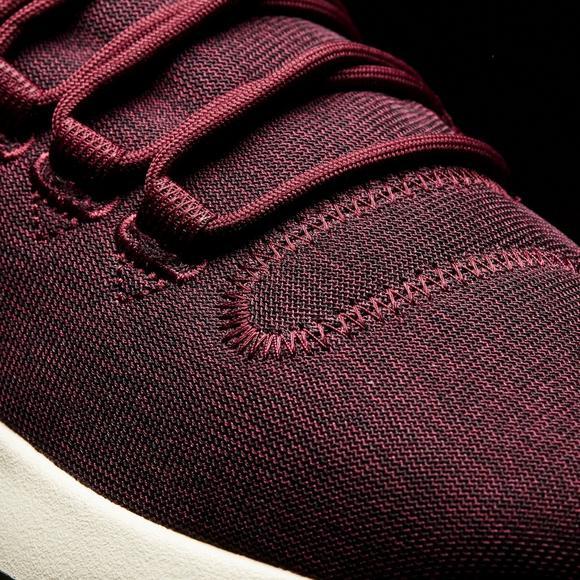 Hibbett Shoe Shadow Tubular Us Maroonwhite Adidas Women's Casual n61RwqxZf