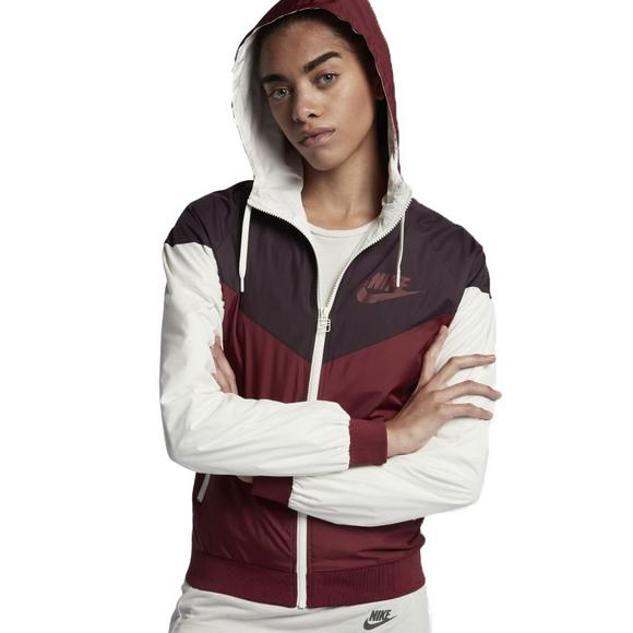 Nike Women s NSW Windrunner Jacket - Main Container Image 1 4fe56e3e0