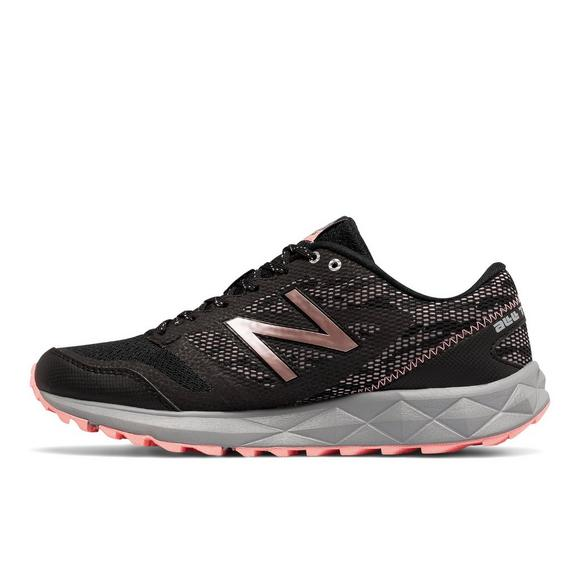 New Balance Women 590 V2 Trail Running Shoe