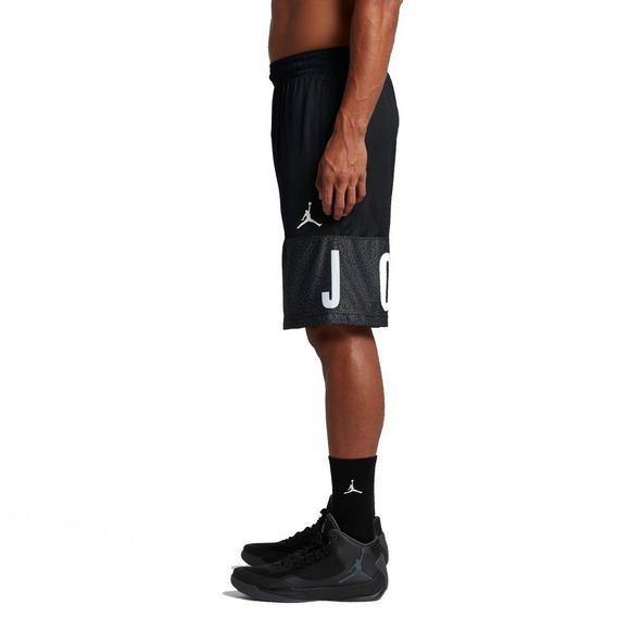 36d6760705f201 Air Jordan Men s Classic Blockout Basketball Shorts - Main Container Image 2