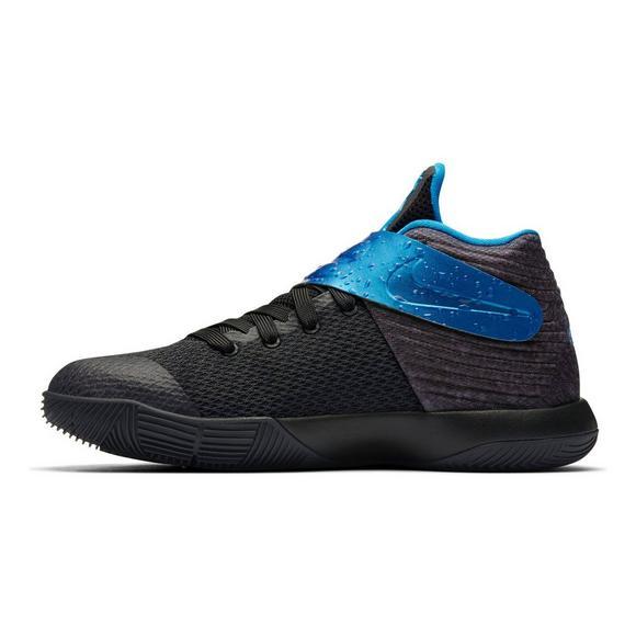 huge discount 18004 024f8 Nike Kyrie 2