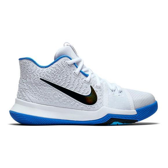 62a0cabdb94e Nike Kyrie 3
