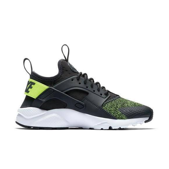 58cb3012a4fb Nike Air Huarache Run Ultra SE