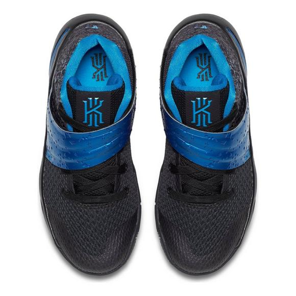 buy popular 98b7b b271b Nike Kyrie 2