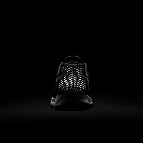 aa7cb7c3c56d Nike Air Zoom Pegasus 33