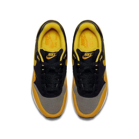 99c6a4d37fad Nike Air Max 1