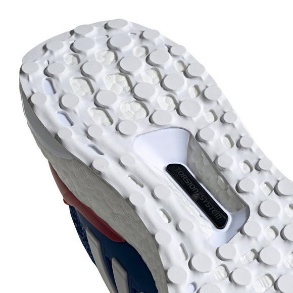 3bddc5d48944a adidas Ultraboost 4.0