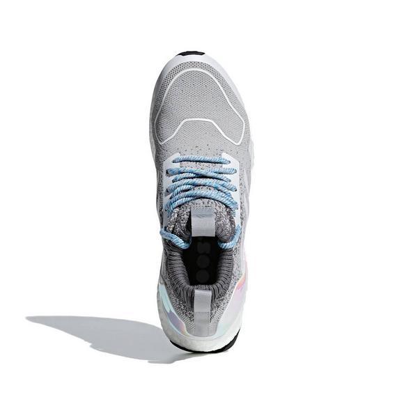 on sale b4fb1 f4ef7 adidas Ultraboost Mid