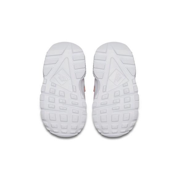 ddea094553b6 Nike Huarache Run SE