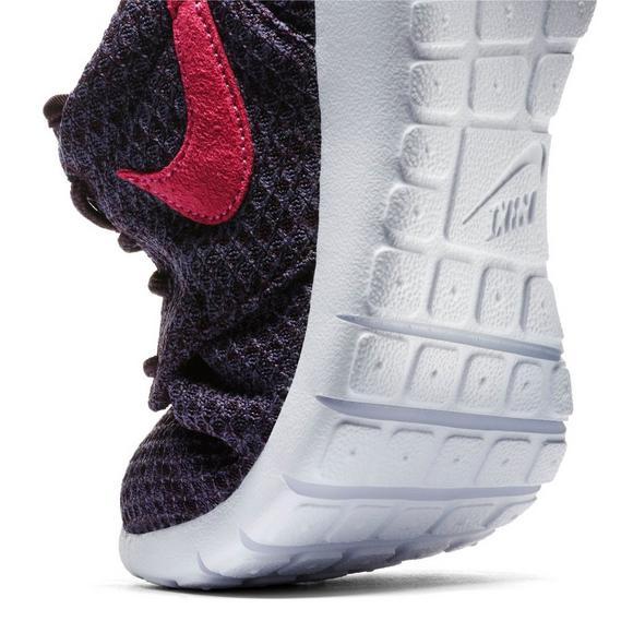 super popular 034c4 848e4 Nike Roshe One