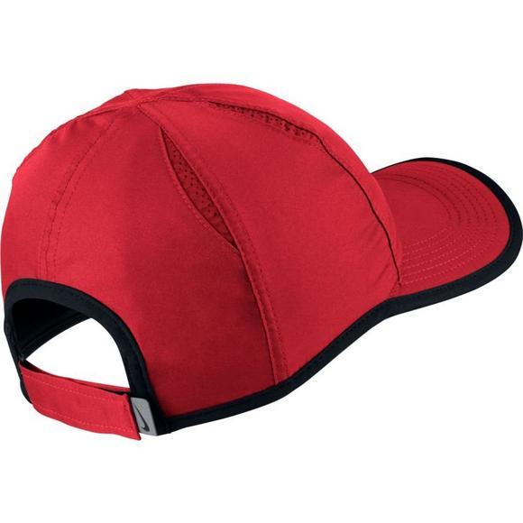 bfcf328a4 NikeCourt AeroBill Featherlight Tennis Cap - Hibbett US