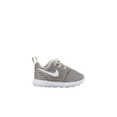 e957631d417d Nike Girls Roshe One Lifestyle Shoes - Notary Chamber