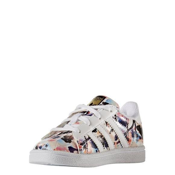 sports shoes 5979c 291ca adidas Originals Superstar