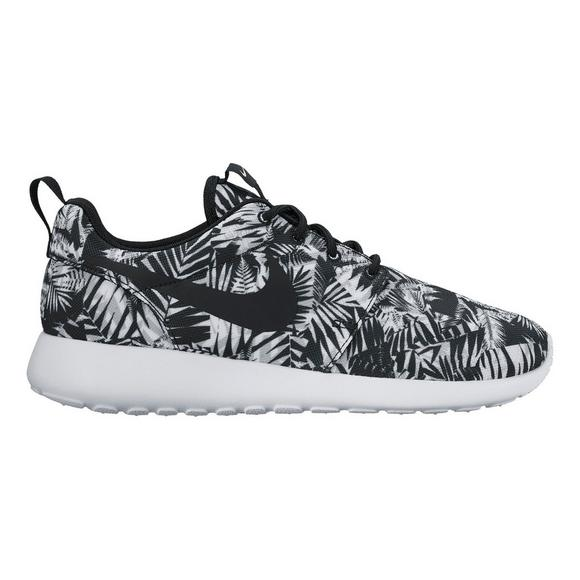 0b2ce69e34f4 Nike Roshe One Print Women s Casual Shoe - Main Container Image 1