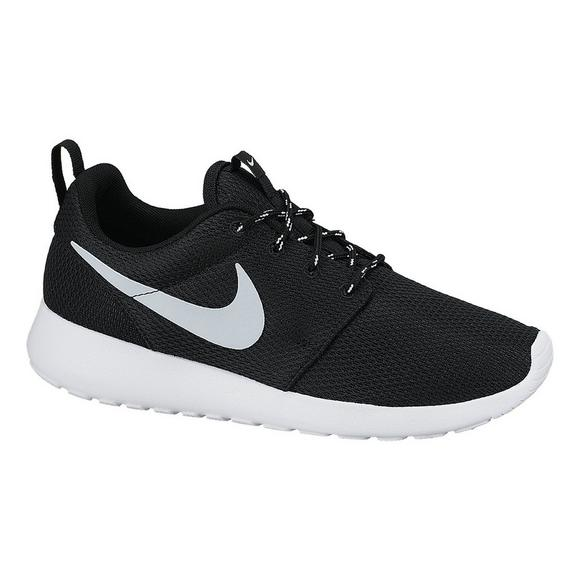 685d5062141 Nike Roshe One Women s Casual Shoes - Main Container Image 2
