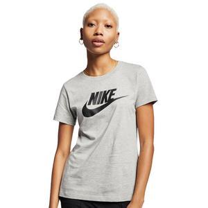 026cc995 Nike Women's Futura T-shirt ...