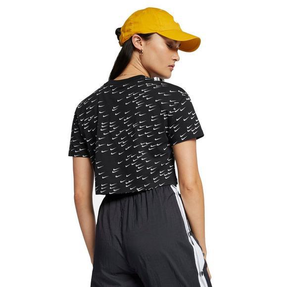 a9125971 Nike Sportswear Women's Essential Short-Sleeve Crop Top