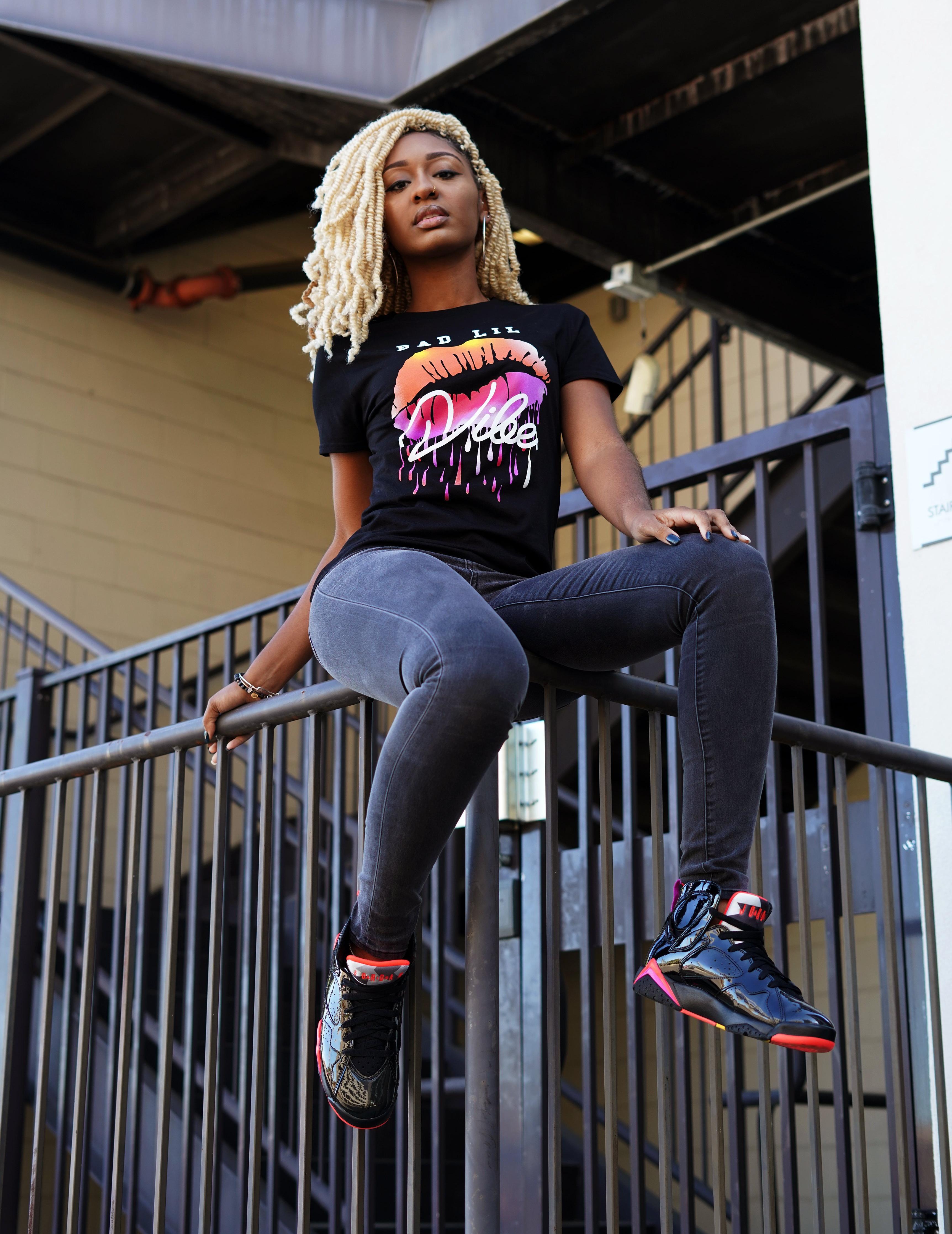 Sneakers Release: Women's Jordan 7 Retro Shoe BlackBright