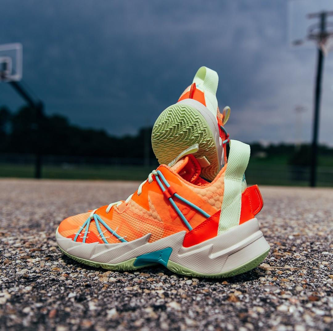 "Jordan ""Why Not?"" Zer0.3 SE ""Atomic Orange"" Melon Tint/Atomic Orange Men's Basketball Shoe"