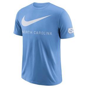 c7b35ba566c1 Nike Men s NCAA Fan Gear
