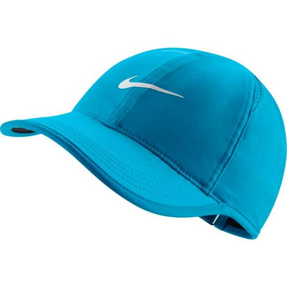 607f2b0f Nike Women's NikeCourt AeroBill Featherlight Tennis Hat - Main Container  Image 1