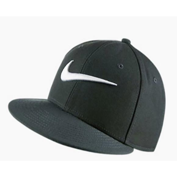 Nike Vapor Dominator Snapback Hat - Main Container Image 1 da5efab2c