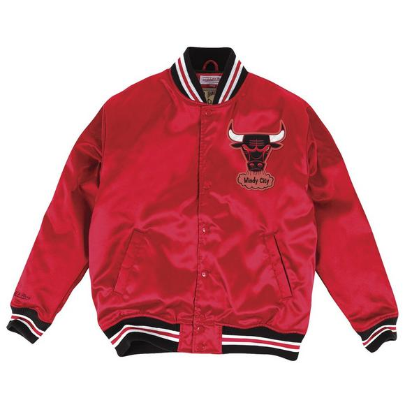 106843b08 Mitchell & Ness Men's Chicago Bulls Satin Bomber Jacket - Hibbett US