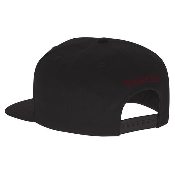 Mitchell   Ness Cleveland Cavaliers Metallic Cropped Snapback Hat - Main  Container Image 2 8c5c8f934d22