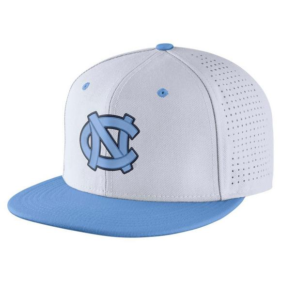 Nike North Carolina Tar Heels Aerobill Fitted Baseball Cap - Main Container  Image 1 7a263dfaecea
