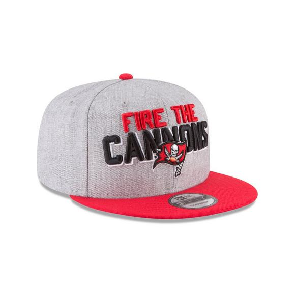 New Era Tampa Bay Buccaneers 2018 On Stage 9FIFTY Snapback Hat - Main  Container Image 2 418e48b3776