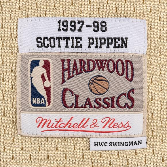 5bf4e2f99d6 Mitchell   Ness Men s Chicago Bulls S. Pippen 1997-98 Hardwood Classics  Swingman Jersey